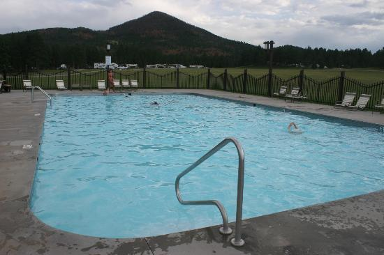 Rafter J Bar Ranch Campground: Pool, great size!