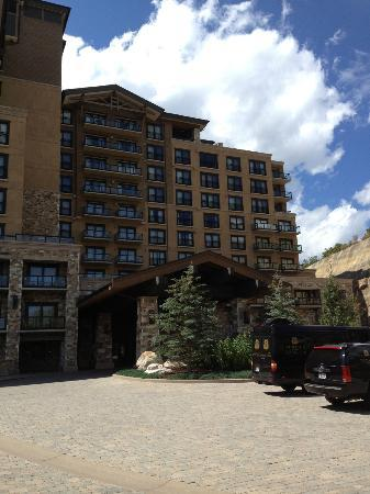 The St. Regis Deer Valley: front outside of hotel