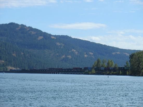 The Lodge at Sandpoint: View across the lake to Sandpoint