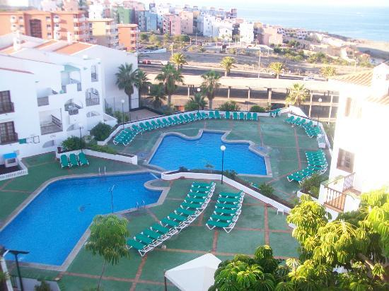 Vime Callao Garden: top and middle pools