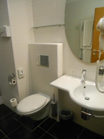 BEST WESTERN PLUS Hotel Ambra: bathroom