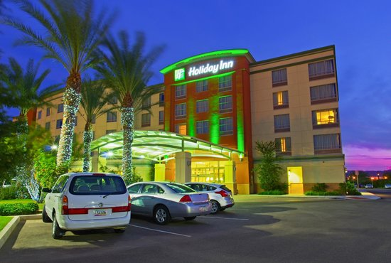 Holiday Inn Hotel & Su