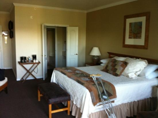 The Cliffs Resort: king room in Cliffs hotel