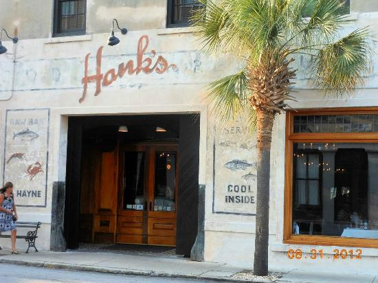 Hank 39 s seafood restaurant in downtown charleston sc for Fish restaurant charleston sc