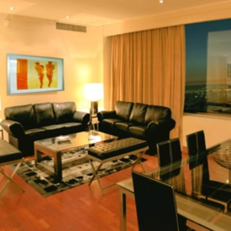 Boulevard Suites: Vista living, Comedor  Suite Premium.