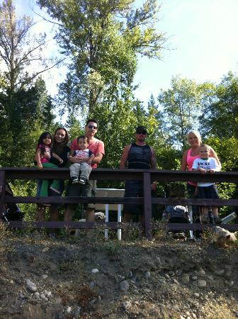 Cottonwood Family Campground: Provincial Park / Adams River