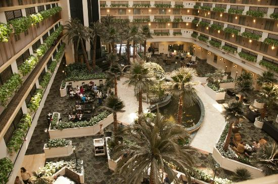 Embassy Suites by Hilton Las Vegas: View of lobby