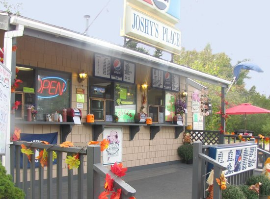 Milbridge, ME: Joshy's counter