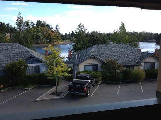 Econo Lodge Inn & Suites: view from room 240 in the AM