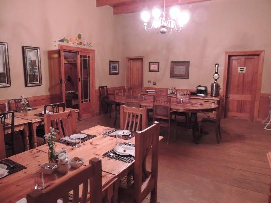 De Denne Country Guest House: Dining Room