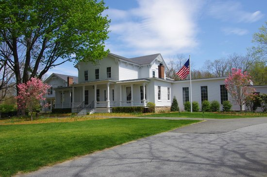 Old Lyme Inn from Lyme Street