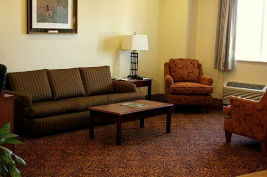 Cheyenne Bottoms Inn and Suites: Waiting Room