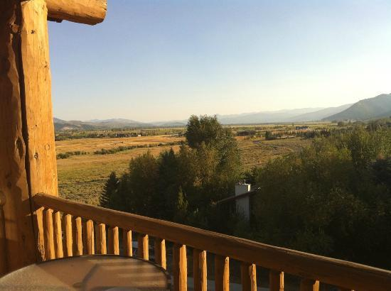 Teton Mountain Lodge: Prairie view from balcony