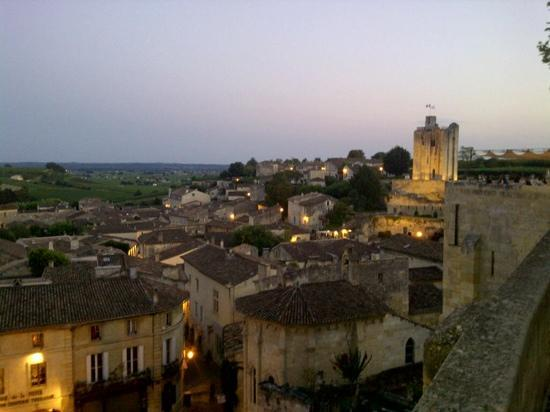 Chateau Grand Barrail: saint emilion tramonto