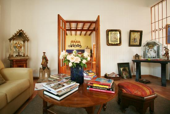 Casa de los Milagros B&amp;B: Living room