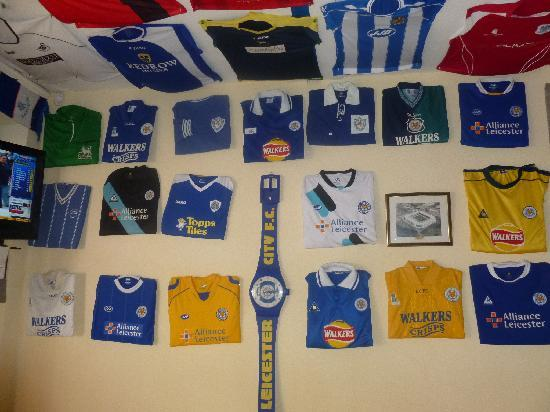 The Foxes Arms: Good collection of shirts
