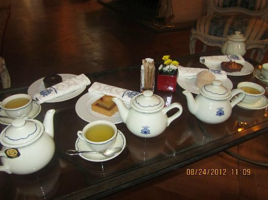 Hotel d'Aubusson: Tea time at d'Aubusson