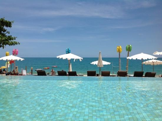 Lamai Wanta: view from the pool