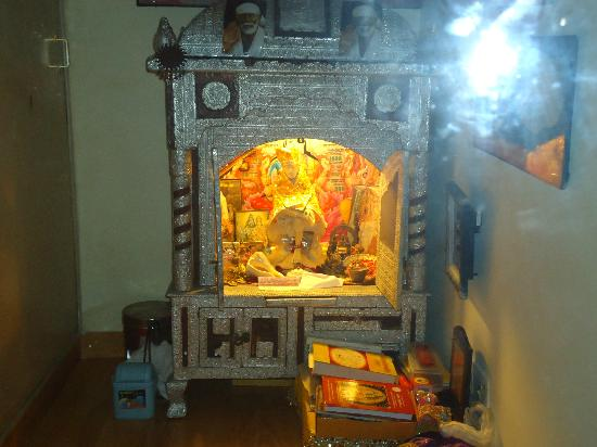 Anikas Nest Delhi: God &#39;&#39;SAI&#39;&#39; Mandir