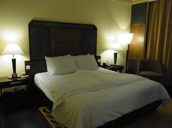 La Residence Hue Hotel & Spa - MGallery Collection: Comfy Bed
