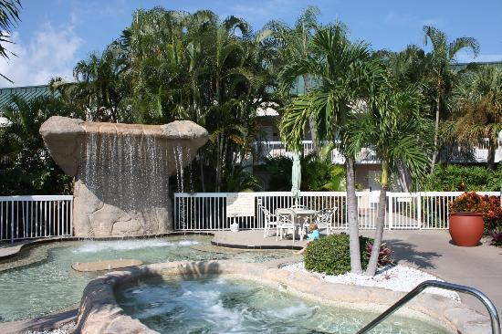 Hampton Inn Clearwater Central: Loved the pool area.