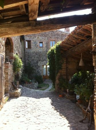 Pari, Italy: the farmhouse