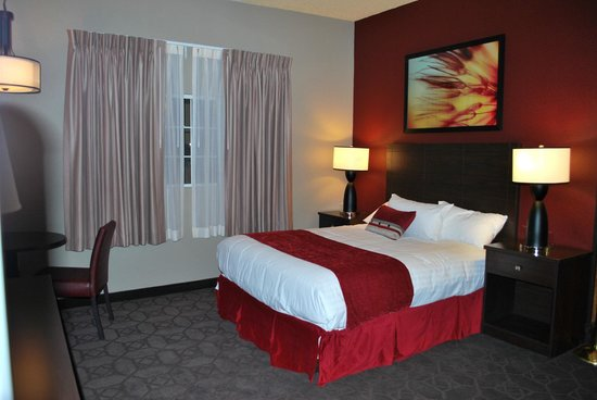 Edgewater Hotel &amp; Casino: New Sedona Tower Room