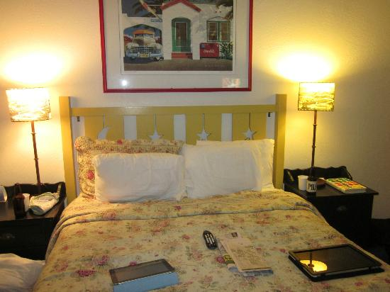 Sonoma Creek Inn: Comfy Bed