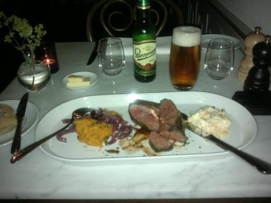 Hotel J: Grilled topblade with a gras canard and red onion confit, coleslaw with mashed roasted sweet pot