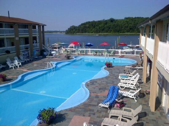 Pool View of Fairbanks Resort and Marina