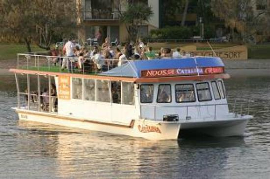 Noosaville, ออสเตรเลีย: M.V.CATALINA with upper deck party