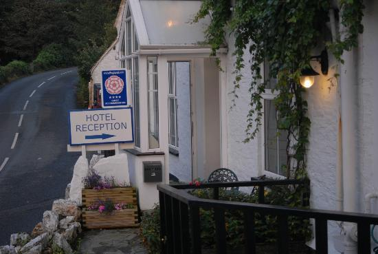 Bottreaux House Bed & Breakfast: View of the hotel front entrance from the hotel's car park area
