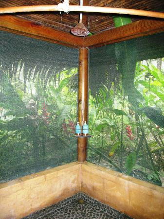 Pacuare Lodge: Shower - and Forest