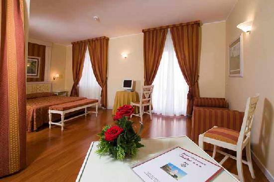 Photo of Hotel Tvder Todi