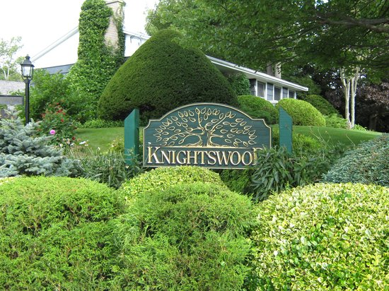 Knightswood Bed and Breakast & Carriage House
