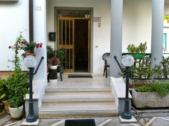 Albergo Andrea: Ingresso