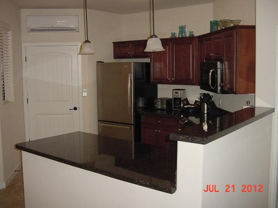 Mira Vista Resort: Kitchen