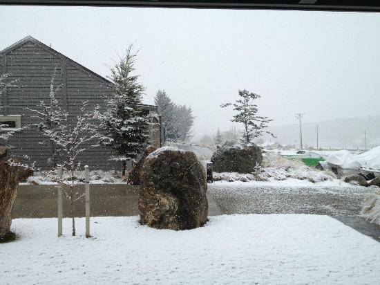 Benbrae - Cardrona Valley Resort: Snow in the valley