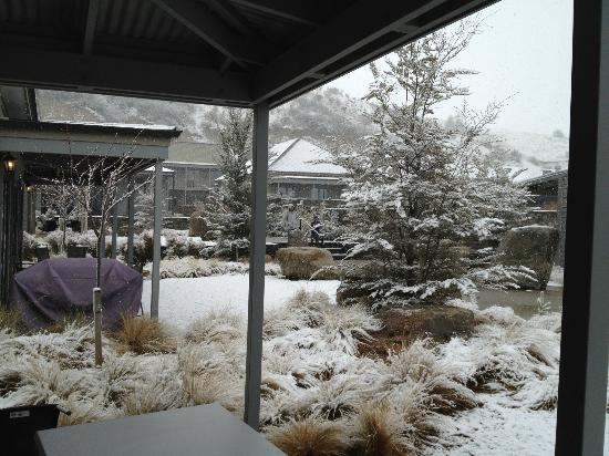 Benbrae - Cardrona Valley Resort: View from our front porch towards the pool area
