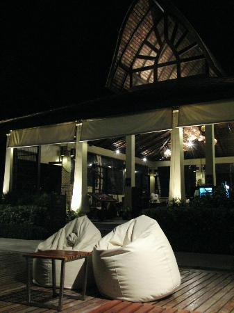 The Passage Samui Villas &amp; Resort: The Terrace Restaurant