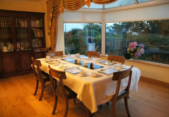 An Corrach Mor: The room for tea and breakfast