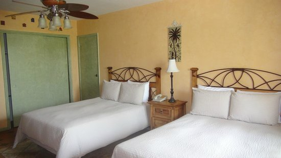 Tropi Rock Resort: Comfy queen beds