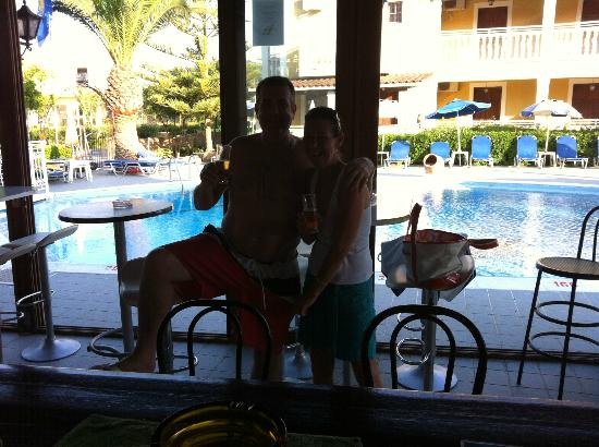 Elpida Hotel: Me &amp; Dors Pool !