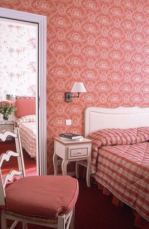 Le Grimaldi: Chambre rouge / Red Bedroom