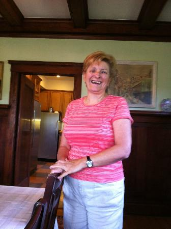 Villa Columbia Bed and Breakfast: The smiling hostess