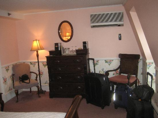 Stafford's Bay View Inn: Room 37