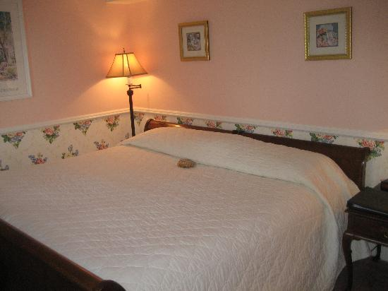 Stafford's Bay View Inn: Comfortable Bed