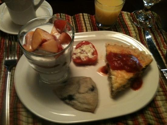 Summer Creek Inn: breakfast