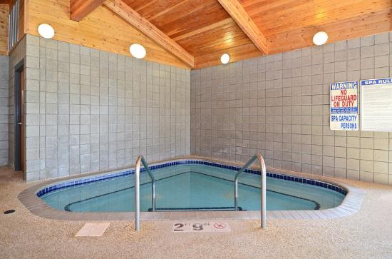 Americas Best Value Inn-Stillwater/St. Paul: Jacuzzi