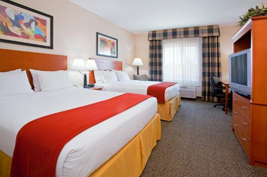 Holiday Inn Express Hotel & Suites Vernal: Perfect for family's traveling to Dinosaur Nationa